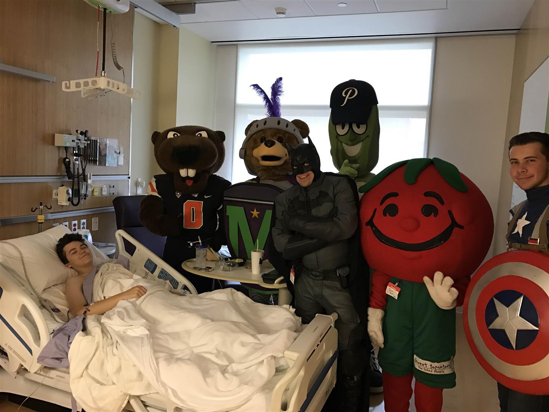 Randall-childrens-hospital-visit-4-large